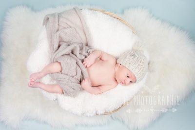 photographe-nouveau-ne-oise-photographe-nouveau-ne-compiegne-photographe-bebe-oise-photographe-bebe-compiegne-seance-photo-bebe-compiegne-photographe-studio-oise-photographe-studio-compiegne-82-e1493728775871